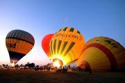 Fahrt im Heißluftballon über Theben west